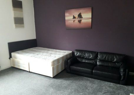 NO UPFRONT DEPOSIT!!! ROOMS AVAILABLE, HIGH STREET, SMETHWICK, BILLS INC, FULLY FURNISHED!!