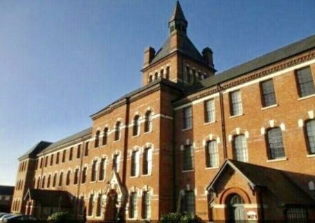 REGIONAL HOMES ARE PLEASED TO OFFER THIS: 2 BED APARTMENT, HIGHCROFT HALL, ERDINGTON!!