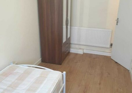 ROOMS AVAILABLE, THOMAS CRESCENT, SMETHWICK, FULLY FURNISHED, DSS ACCEPTED, ALL BILLS INC!!