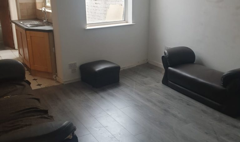 REGIONAL HOMES ARE PLEASED TO OFFER:FURNISHED 3 BED TERRACED HOME,LORD STREET, WALSALL, DSS ACCEPTED
