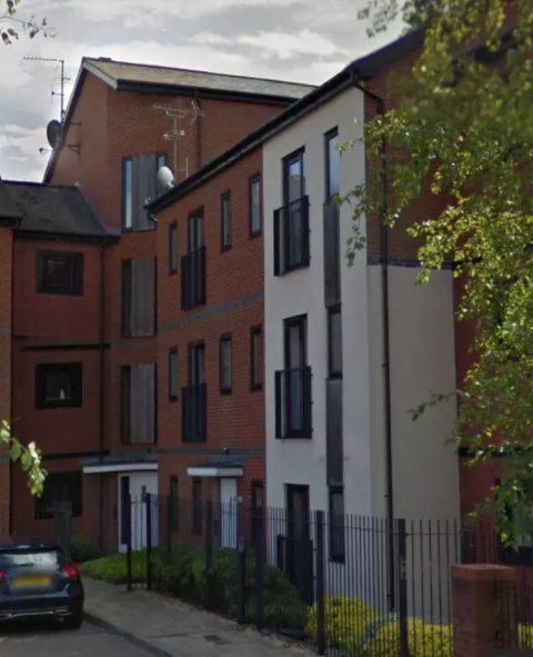 SPACIOUS 2 BEDROOM APARTMENT, DEANS GATE, WILLENHALL