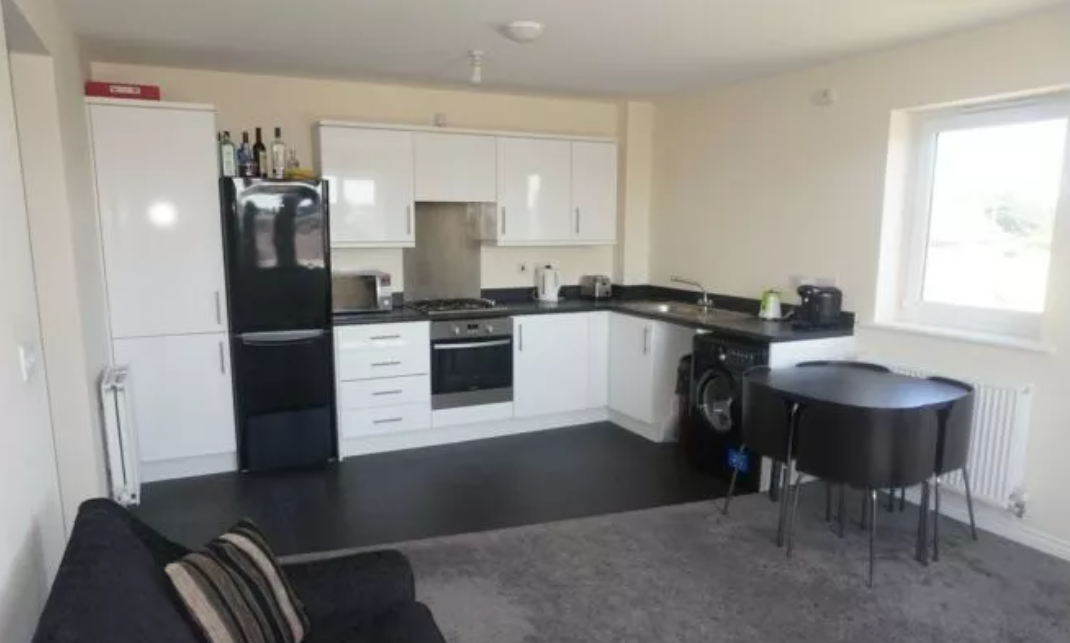 FULLY FURNISHED 2 BEDROOM APARTMENT AVAILABLE, SIGNALS DRIVE, COVENTRY, DSS ACCEPTED!!