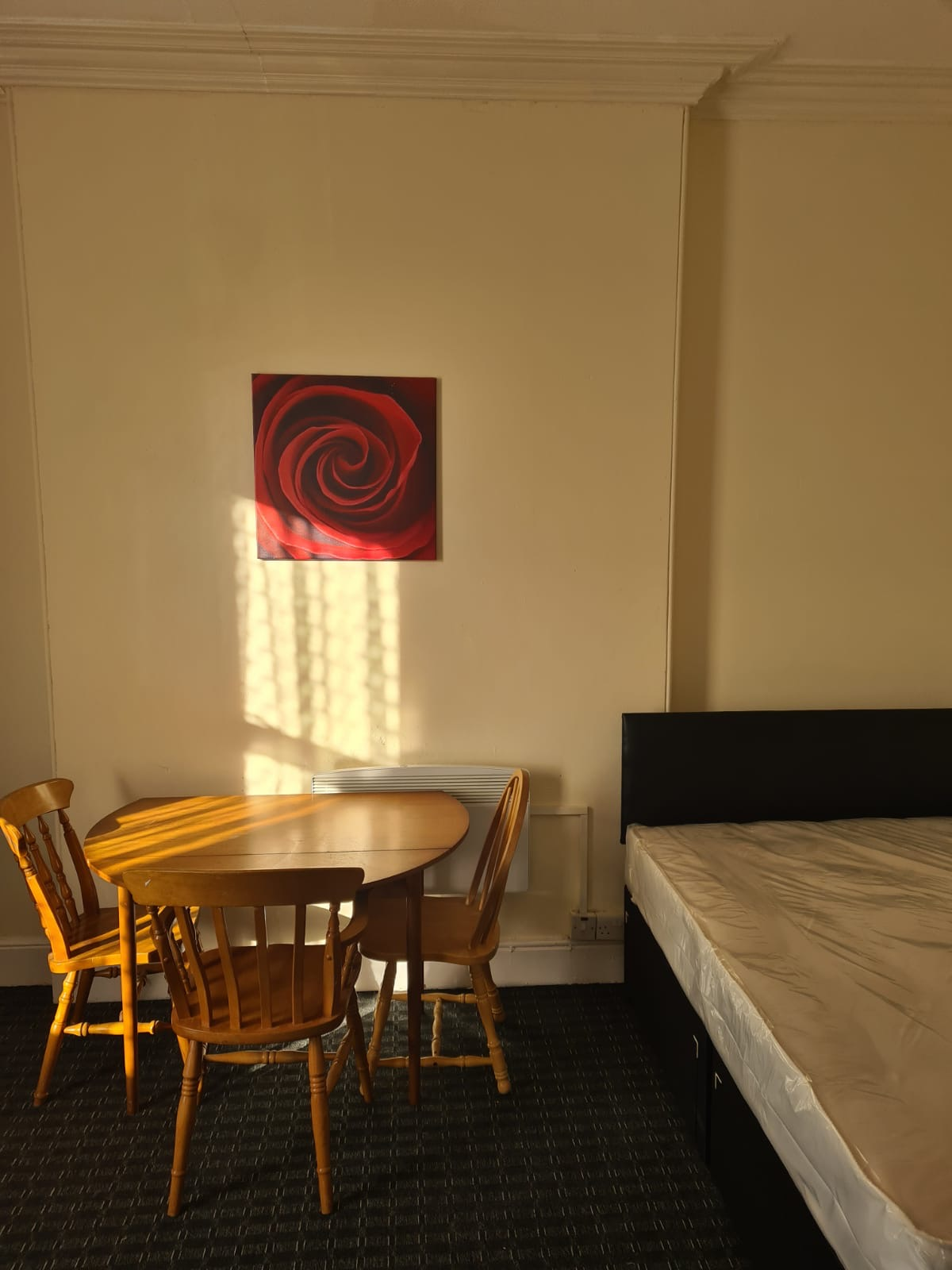 FULLY FURNISHED FIRST FLOOR STUDIO FLAT AVAILABLE, HOLYHEAD RD, HANDSWORTH, DSS ACCEPTED!!